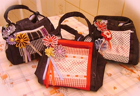 Bolsa em tecido com flores de vis