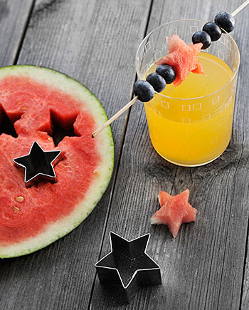 Decore bebidas e drinks com frutas